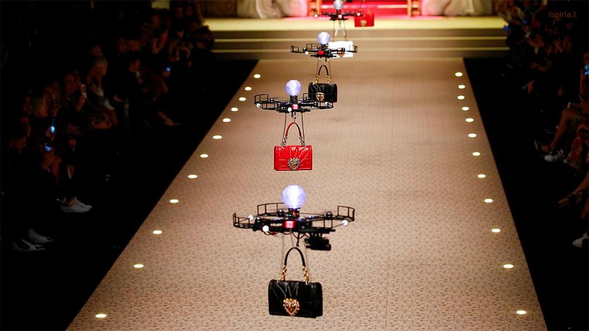 Modelle Droni Alla Sfilata Dolce E Gabbana